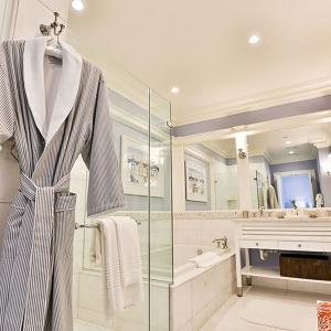 BC Harbor Deluxe  Bath